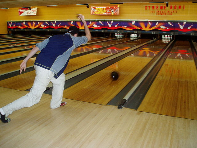 What Is The House Oil Pattern And How Do Lane Conditions Affect My Ball Beginner Bowling Tips